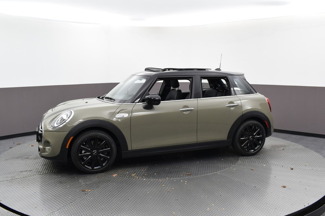 Pre-Owned 2020 MINI Hardtop 4 Door Signature