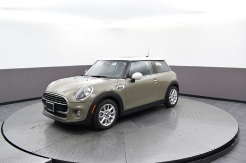 Pre-Owned 2019 MINI Hardtop 2 Door Signature