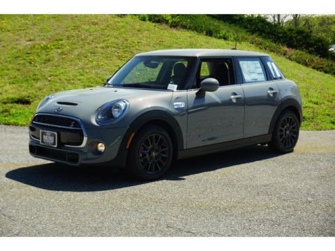 Pre-Owned 2019 MINI Hardtop 4 Door S